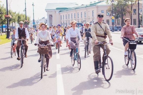 Летний Tweed Run в Петербурге