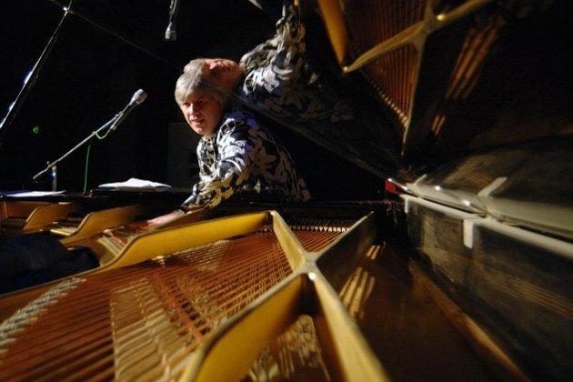 http://www.peterburg.ru/events/koncert-novogodnee-nastroenie
