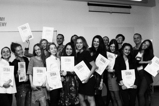 Программа о бизнесе в индустрии моды Fashion Business