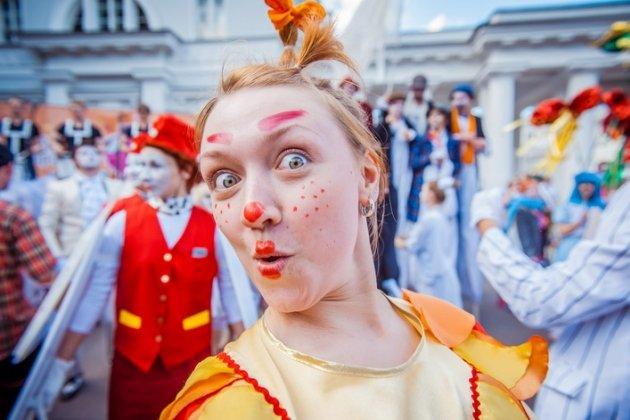 VI Международный фестиваль уличных театров «Елагин парк»
