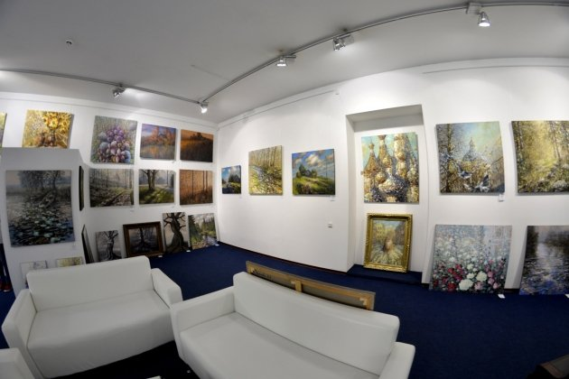 Выставка художника Дмитрия Кустановича