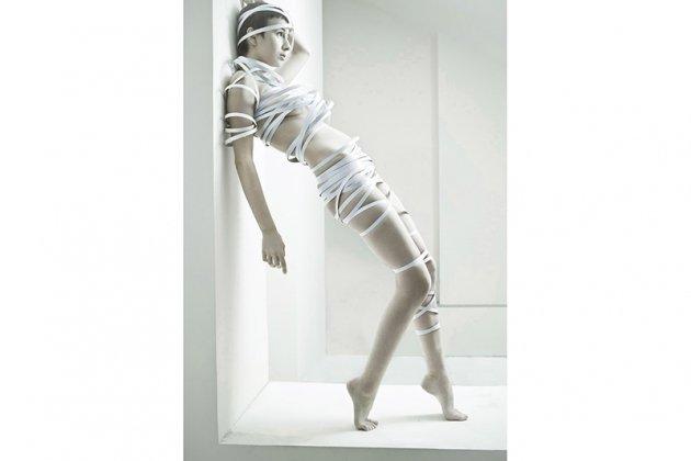 Фотовыставка «Аркан 15. Женщина и ее демоны»