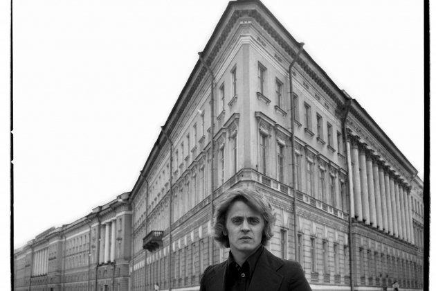 Ретроспективная фотовыставка «Кино-Театр Валерия Плотникова»