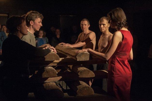 Спектакль «Театра.doc» «Безумное путешествие за святыми дарами»