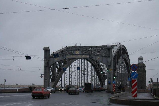 Большеохтинский мост в Санкт Петербурге фото