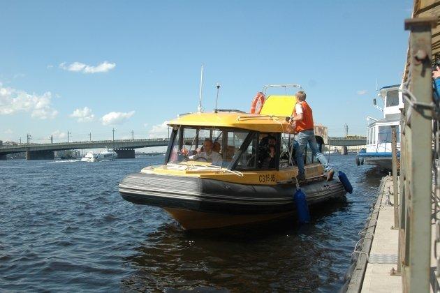 Аквабусы в Санкт-Петербурге в 2015 году подорожали на 30 рублей