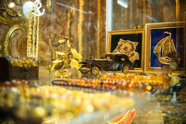 Традиции российской ювелирной школы на выставке «Сокровища Петербурга»