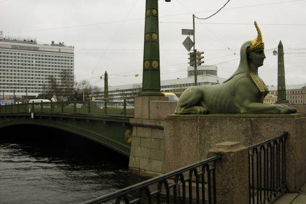 Сфинксы на египетском мосту в Санкт Петербурге