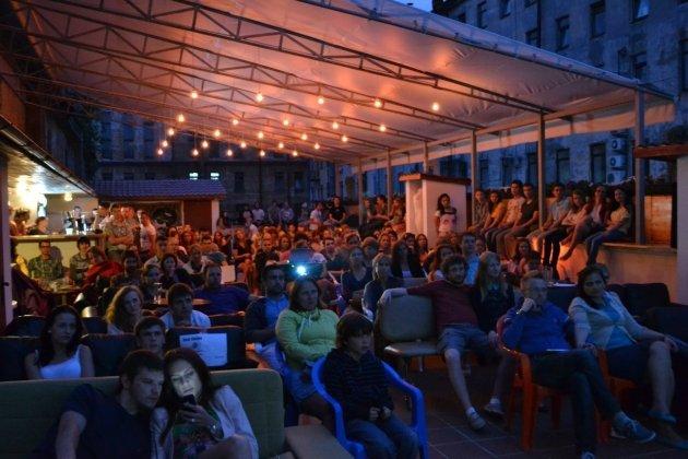 Последние показы сезона в кинотеатре на крыше «ROOF Cinema»