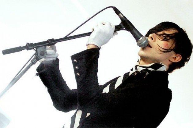 Крис Корнер со своими сольным проектом IAMX