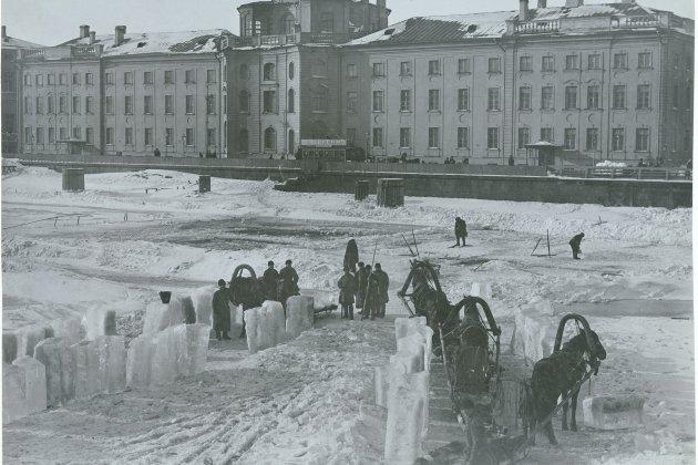 Выставка «Лед»