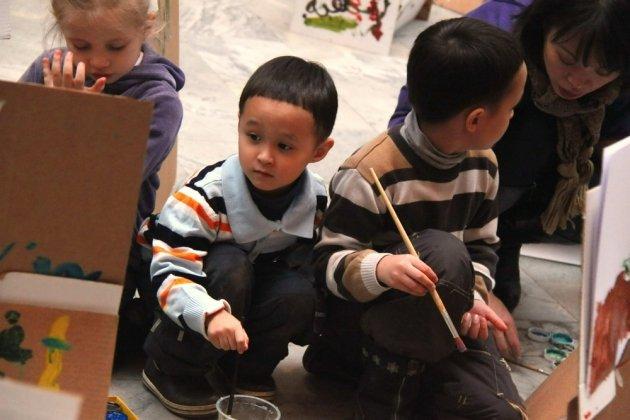 Интерактивная выставка «Краски детства»