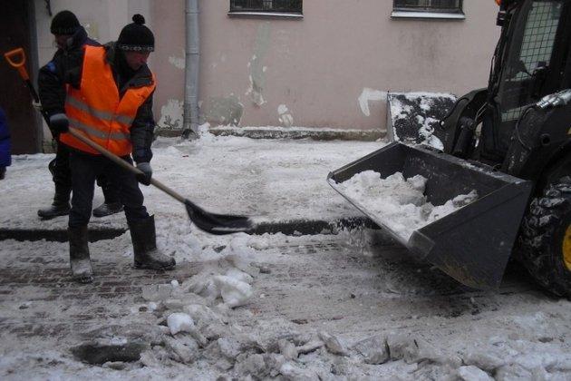 Жилкомсервисы Петербурга готовы к снежной зиме и холодам