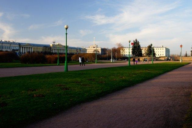 Марсово поле в Петербурге метро