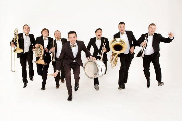 Ансамбль «Olympic Brass Orchestra» с концертом «Очарование вальса»