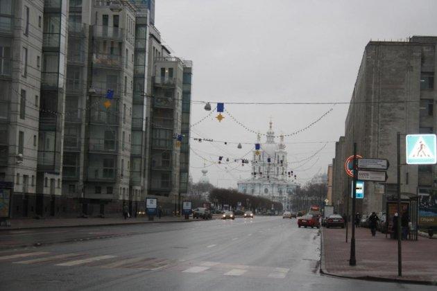 Смольный собор архитектора Франческо Бартоломео Растрелли в Санкт Петербурге фот