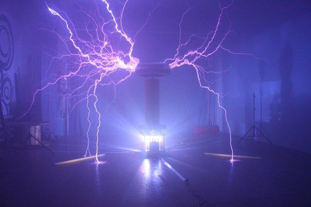 Открытие театра молний «Теслаториум»