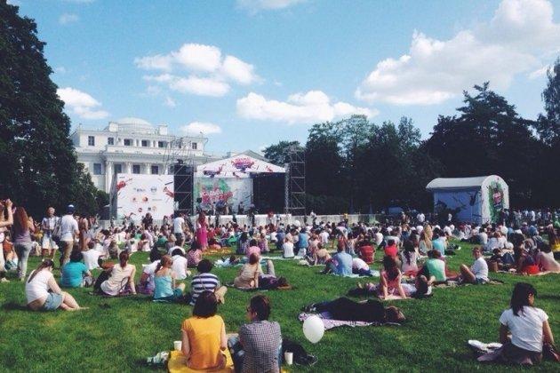 Фестиваль «Усадьба Jazz» предлагает совместить музыку с йогой и мастер-классами от «Зенита»