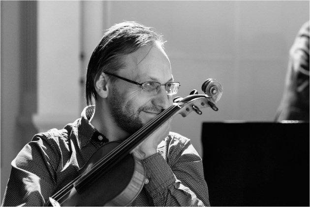 Исполнение цикла Дьердя Куртага «Фрагменты из Кафки» для сопрано и скрипки