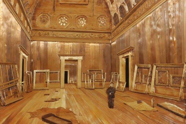 В Петербурге открылась выставка композиций из соломки, посвященная блокаде Ленинграда