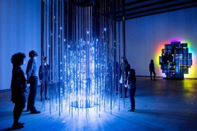Выставка Magic of Light