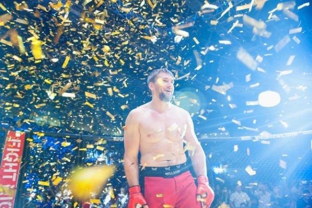 Взвешивание бойцов турнира «Fight Night Petersburg» в Питерлэнде