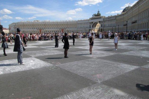 Партия Победы: на Дворцовой площади сыграют в живые шахматы
