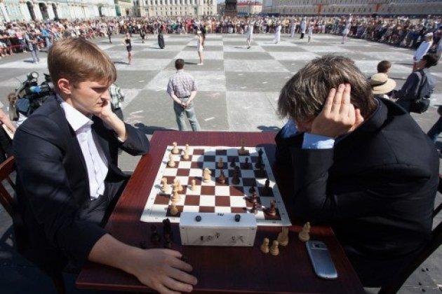 В День молодежи на Дворцовой площади сыграют в «живые» шахматы