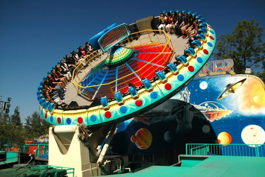 Парк развлечений и аттракционов «Диво-остров» в питере