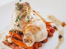 Куриные глени с медовой морковью