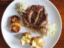 Нежная свиная шейка с запеченным картофелем